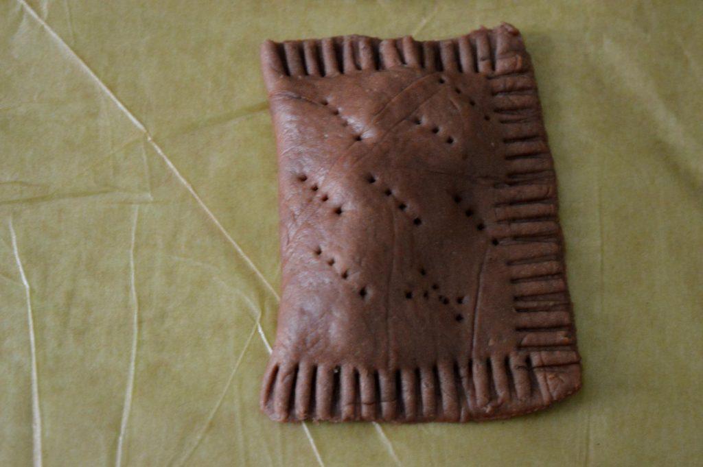 Schoko-Kirsch-Taschen sind zwar etwas aufwendiger in der Herstellung, die Zeitinvestition lohnt sich aber allemal.
